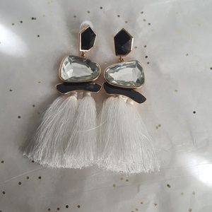 Jewelry - Fashion dangling earrings